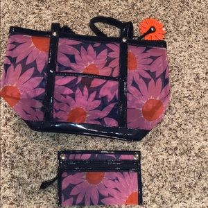 Vera Bradley - Mesh bag. Removable side pocket